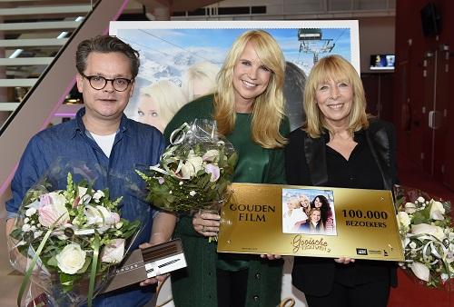 Gouden Award voor Gooische Vrouwen 2 De foto toont v.l.n.r. Frank Houtappels, Linda de Mol en Wil Koopman Copyright Daniel Kroll